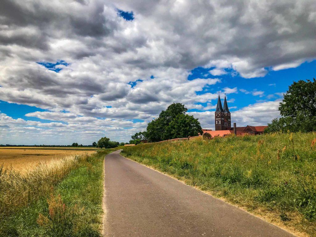 Weg am Kloster Jerichow