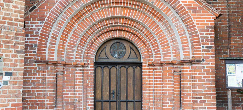 Eingangstor romanisches Kloster Arendsee
