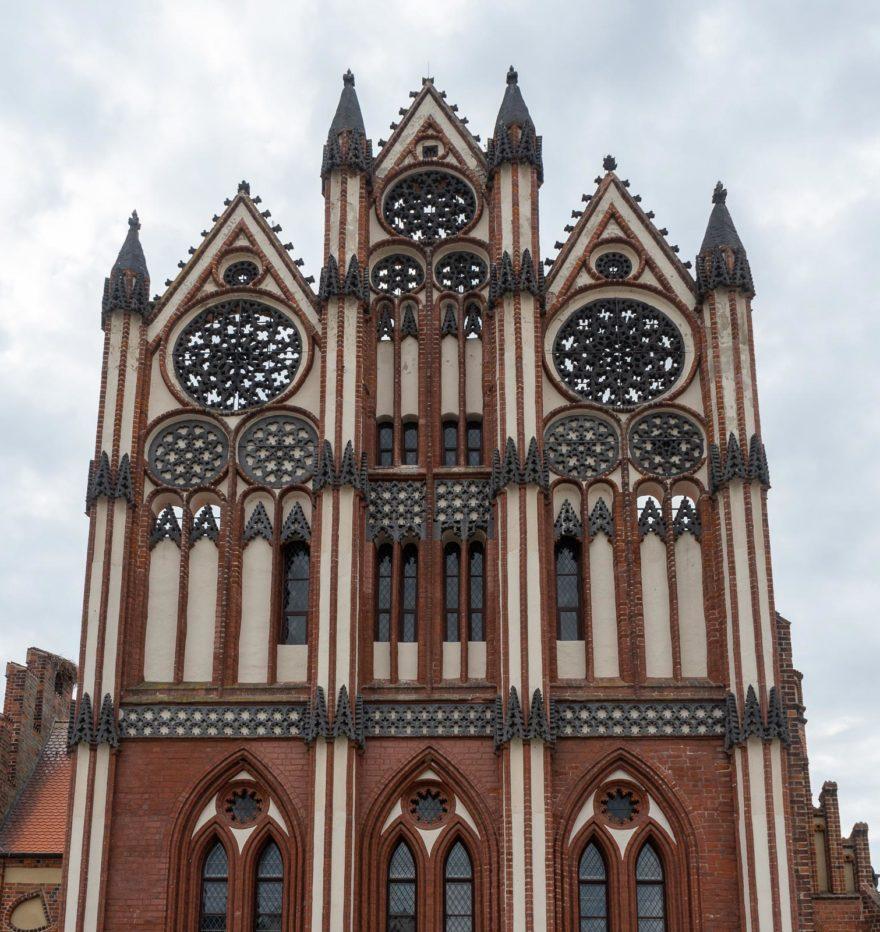 Schmuckgiebel des Tangermünder Rathauses
