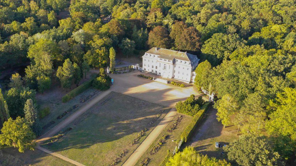 Schloss und Schlosspark in Tangerhütte