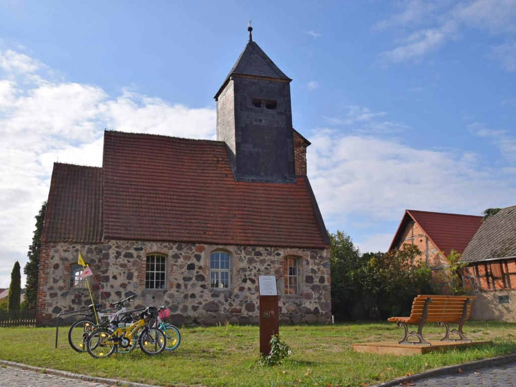 Bild der Dorfkirche in Ipse